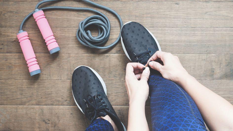 Dimagrire saltando la corda: benefici e consigli