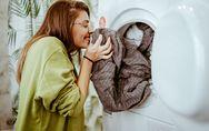 Prendersi cura dei capi inizia dalla manutenzione della lavatrice