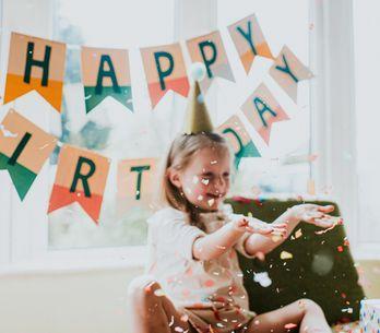 Frasi di buon compleanno per una figlia: gli auguri più dolci e affettuosi