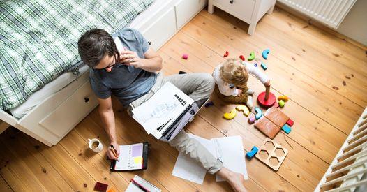 Âge par âge, quelles activités proposer aux enfants pour qu'ils s'occupent seuls (pendant que vous bossez) ?