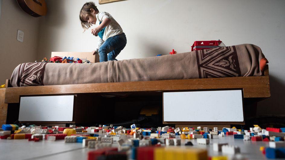 Cette mère a jeté tous les jouets de son fils bordélique pour lui apprendre à ranger