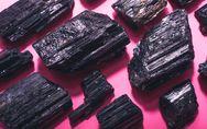 Tormalina nera: proprietà, benefici e usi in cristalloterapia
