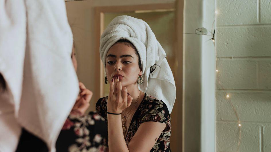 Cette astuce make-up qui buzze rend les lèvres beaucoup plus pulpeuses