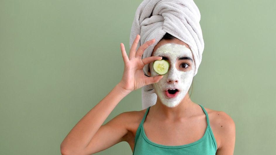 Maschera viso fai da te contro i brufoli: le ricette più efficaci per idratare la pelle