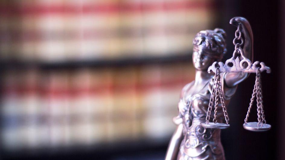 Son père la bat pendant 37 ans, une femme obtient justice
