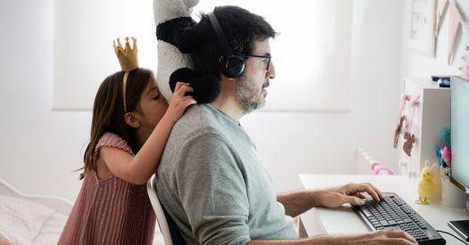 """Ce père utilise la """"méthode d'éducation française"""" : ses enfants n'ont jamais été aussi sages"""