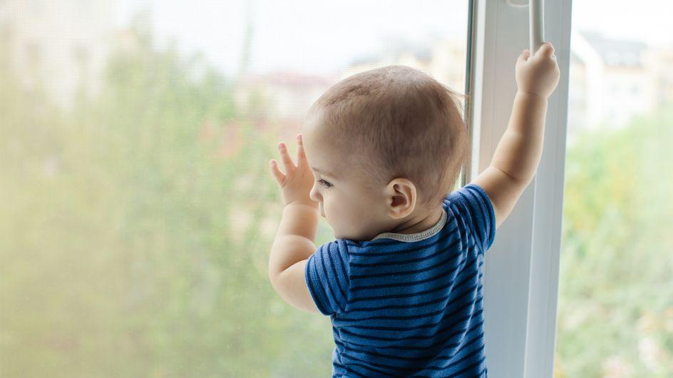 """""""C'est un miraculé"""" : un enfant de 2 ans chute d'un immeuble depuis la fenêtre de sa chambre"""