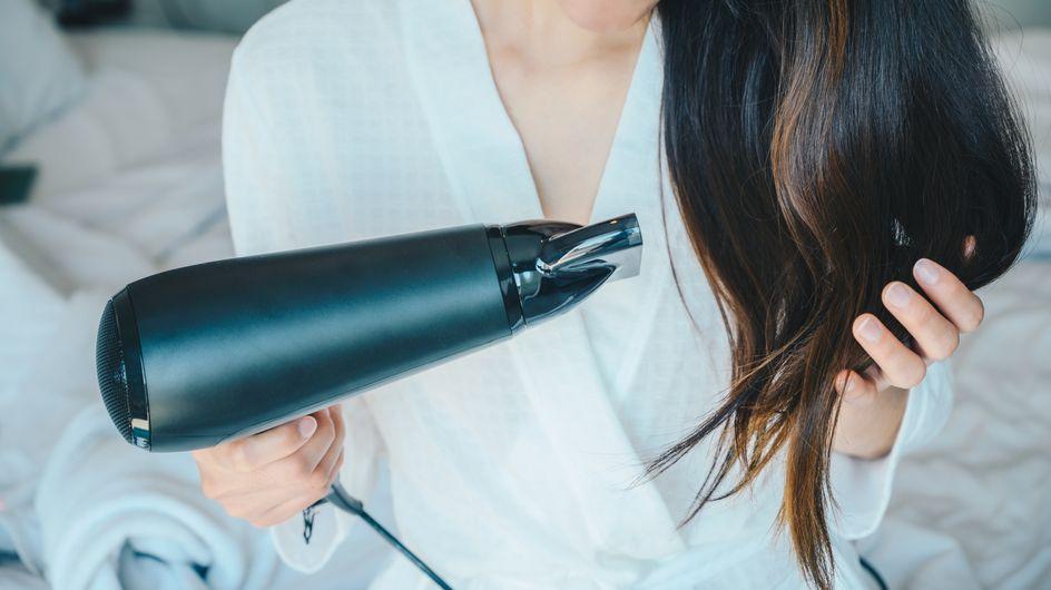L'astuce ingénieuse pour boucler ses cheveux ultra facilement avec un sèche-cheveux !