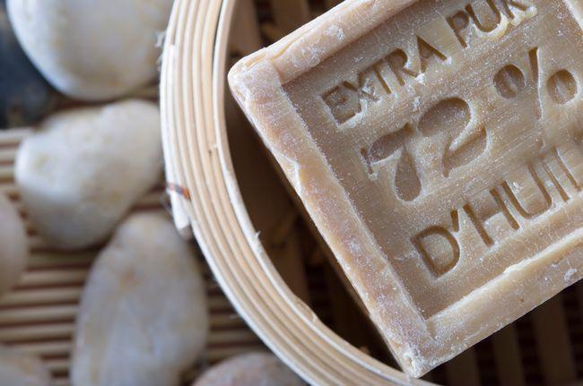 sapone di marsiglia: la ricetta tradizionale prevede il 72% di olio di oliva