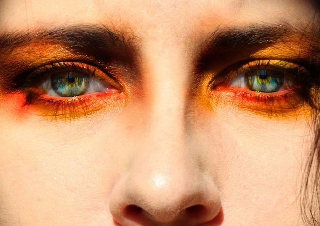 forma occhi: la parte inferiore della palpebra è inesistente in alcune tipologia di occhi