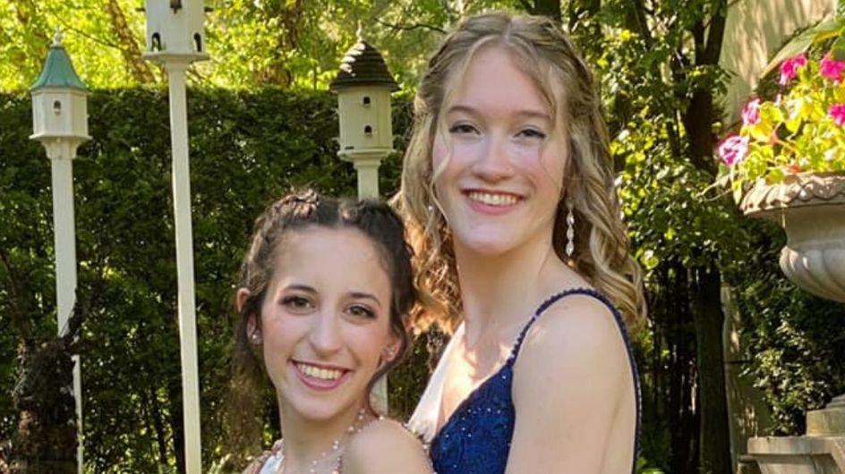 Un lycée américain élit deux jeunes lesbiennes reine et reine du bal de promo