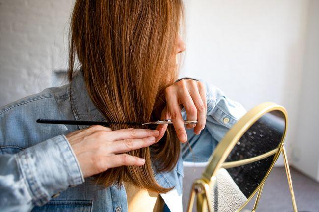 Tagli di capelli che ringiovaniscono: le forbici