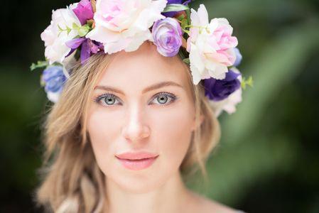 trucco sposa occhi verdi: per un makeup naturale basta scegliere tinte neutre e luminose
