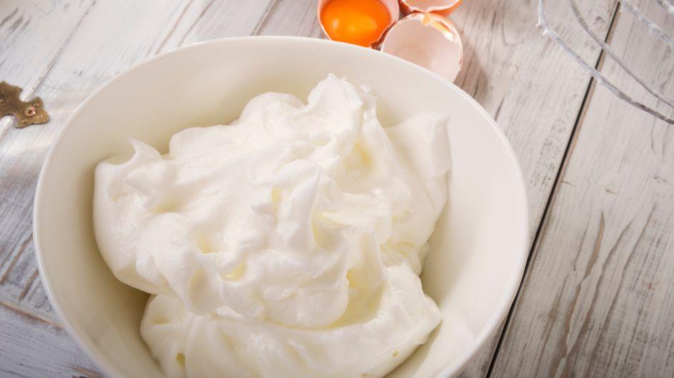 Bonne ou mauvaise astuce : faut-il mettre du sel dans les blancs en neige ?