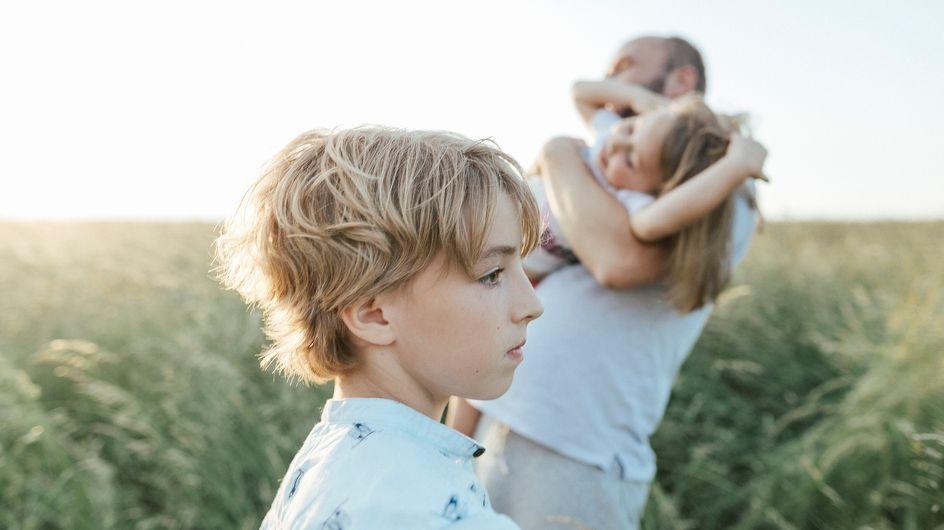 Cos'è la gelosia infantile nei bambini e come affrontarla