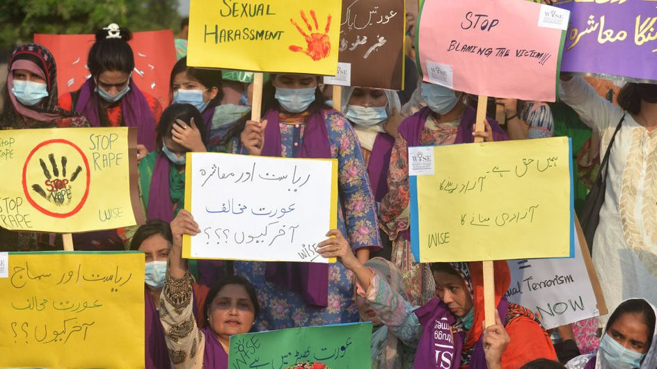Au Pakistan, l'horrible agression collective contre une jeune femme