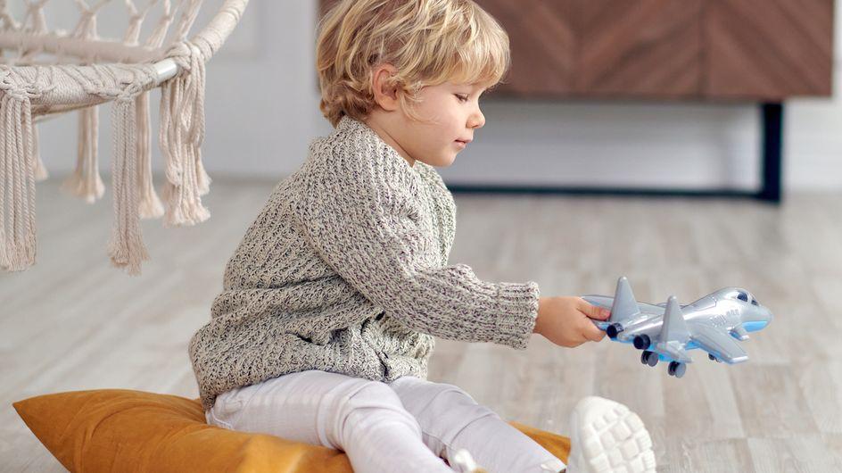 In aereo con i bambini: consigli per rendere il viaggio più comodo e divertente