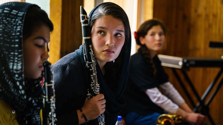 Afghanistan : plus de musique, les femmes surveillées par un chaperon, annoncent les talibans