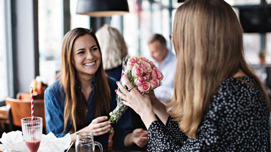 Fiore dell'amicizia: dalla rosa al garofano rosa, dal girasole al tulipano, come esprimere questo legame speciale utilizzando il linguaggio dei fiori