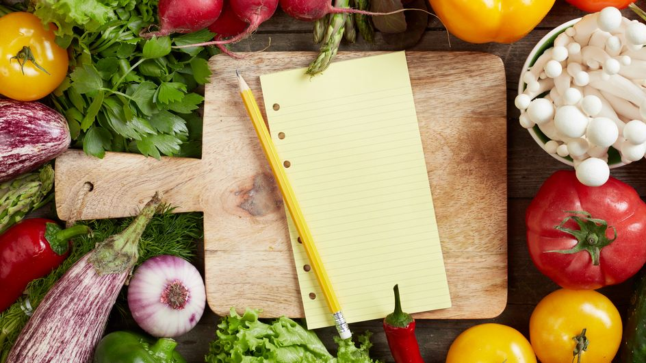 Ces astuces qui vont vous faire gagner du temps en cuisine à l'heure du dîner