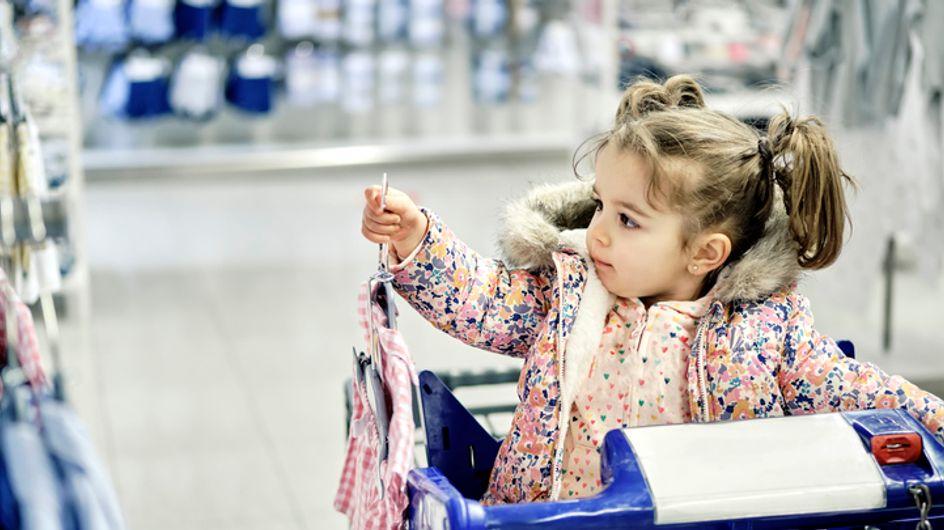 Combien êtes-vous prêts à dépenser pour les habits de bébé ? Cette maman lance le débat