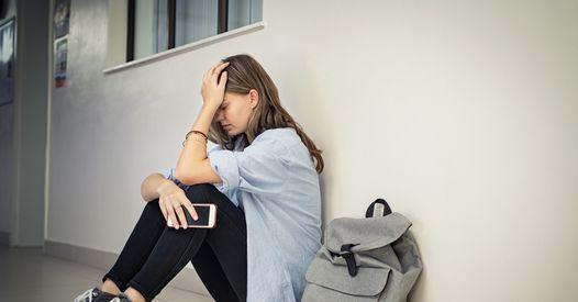 Harcèlement scolaire : Liane se suicide après 7 ans d'enfer