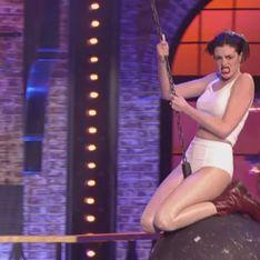 Anne Hathaway se prend pour Miley Cyrus dans une parodie déjantée de Wrecking Ball (Vidéo)