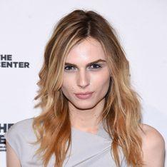 Le mannequin transgenre Andreja Pejic soutient Bruce Jenner pour son changement de sexe