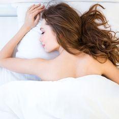 I 10 motivi per cui dovremmo dormire nudi: bye bye pigiama!