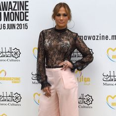 Jennifer Lopez en pantalon Forever 21 à $25 sur un red carpet ! (Photos)