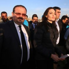 Angelina Jolie visite un camp de réfugiés syriens en Turquie