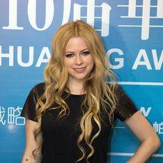 Avril Lavigne fond en larmes en évoquant sa maladie (Vidéo)