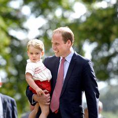 Le prince George, parfait sosie de son papa au baptême de la princesse Charlotte (Photos)