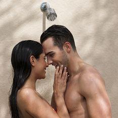 Le 10 migliori posizioni per fare l'amore sotto la doccia