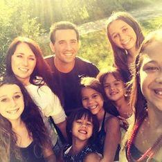 Elle adopte les 4 filles de sa meilleure amie décédée