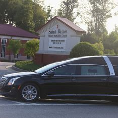 Bobbi Kristina Brown : Sa famille se déchire lors de ses obsèques (Photos)