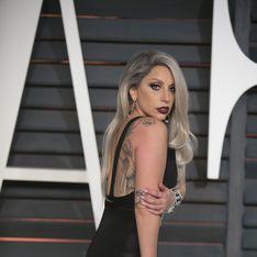 Lady Gaga en mariée et non retouchée en Une du CR Fashion Book (Photos)