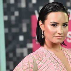 Demi Lovato pose topless pour le magazine Complex (Photos)