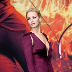 Jennifer Lawrence fatale en décolleté XXL sur le tapis rouge (Photos)