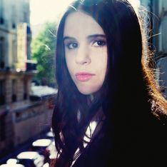 Marina Kaye dévoile son titre Dark Star en acoustique (Exclu)