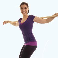 Her mit Wasserflasche & Besenstiel! Geniales Workout mit Alltagsgegenständen