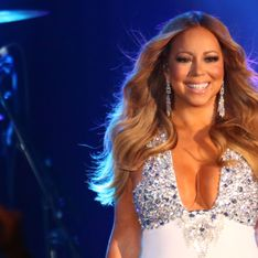 Mariah Carey sublime naïade en bikini doré (Photo)