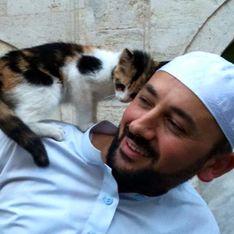 En Turquie, un imam ouvre les portes de sa mosquée aux chats pour leur venir en aide (Photos)