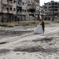 Ils immortalisent leur mariage au milieu des ruines syriennes pour prouver que la vie continue (Photos)