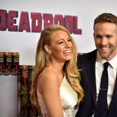 Blake Lively et Ryan Reynolds complices sur le red carpet (Photos)