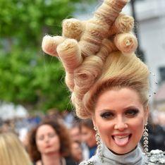 Elena Lenina, un nouveau fashion faux-pas renversant à Cannes (Photos)