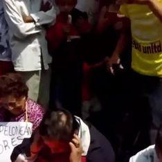 Au Mexique, des enseignants ont été tondus en public pour « trahison » (Vidéo)
