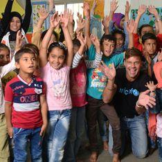 Ricky Martin apporte son soutien aux enfants réfugiés (Photos)