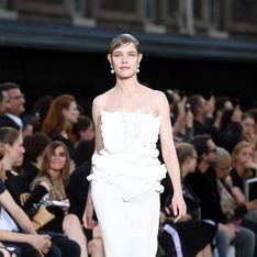 Trois semaines après son accouchement, Natalia Vodianova défile pour Givenchy