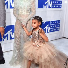 Une robe à 10 000 dollars pour Blue Ivy (Photos)